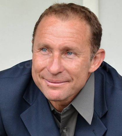 1233423-jean-pierre-papin-during-the-friendly-810x620-2